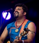 Cambridge-Folk-20120727 Raghu-Dixit-Cz2j6052