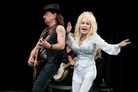 Glastonbury-20140629 Dolly-Parton-And-Richie-Sambora 4471