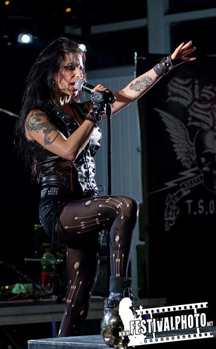 Sister Sin  - Page 3 Helldorado-Rockfest-20130907_Sister-Sin_Beo3874