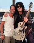 Sweden-Rock-Festival-20130606 Signering-Med-Tommy-Thayer 8578