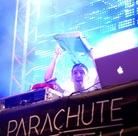 20130814 Parachute-Youth-Trakai-Castle-Trakai 9358