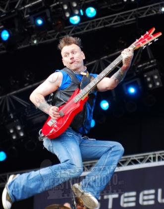 Review1006_Sweden-Rock-Festival-20110610_Steelheart-_0704