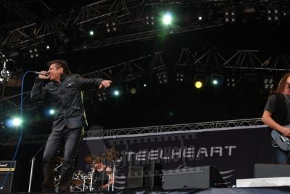 Review1006_Sweden-Rock-Festival-20110610_Steelheart-_0785