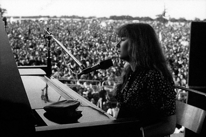 Review1565_MBM_Sandy_Denny_Robin_Turner_1971_Lincoln_Folk_Festival