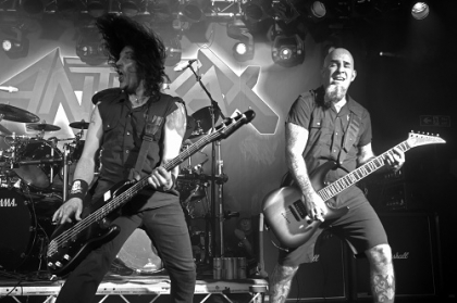 Review1601_anthrax-oxford2