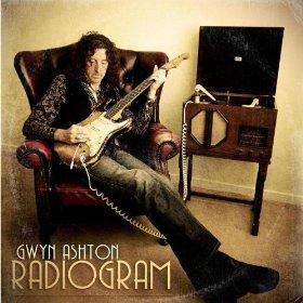 Review1987_gwyn_ashton_-_radiogram