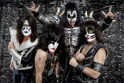 Review2022_KISS3_-_PC_Brian_Lowe_-__copyright_KISS_Catalog_Ltd