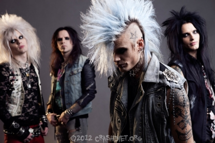 Review2542_crashdiet2012-IMG_6520_as_Smart_Object-1_copy