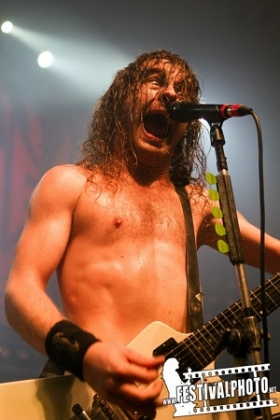 Review3271_Airbourne1