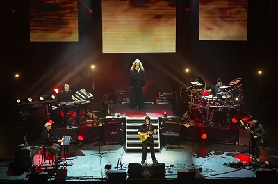 Review3473_Steve_HAckett_Live_RAH_credit_iconphoto_0531