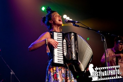 Review3687_Cambridge-Folk-friday_Molotov-Jukebox