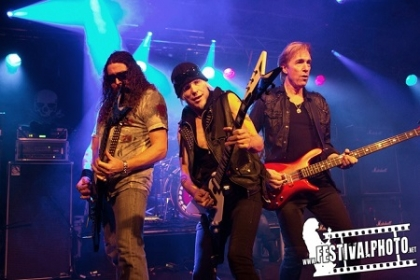 Review3804_20141212_Michael-Schenker