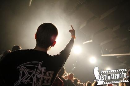 Review3970_A_Death_fan