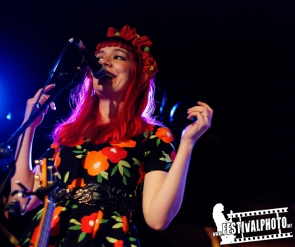 Review4048_20150509_Gabby-Young-Oran-Mor-Glasgow_8800