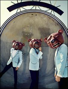 Review4162_TEDDYBEARS_feat._Beenie_Man