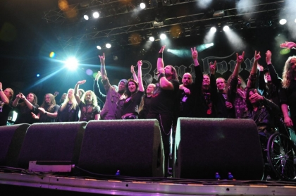 Review842_All_bands_on_stage_during_SymphonyX_concert_in_Tilburg